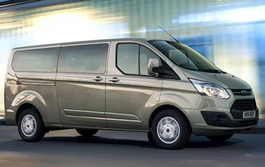 MPV 8 Seater Luxury minibus for a taxi to Liverpool airport